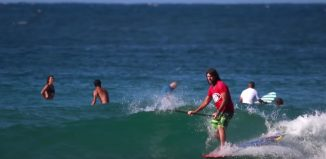 SUP Surfing Snapper Rocks