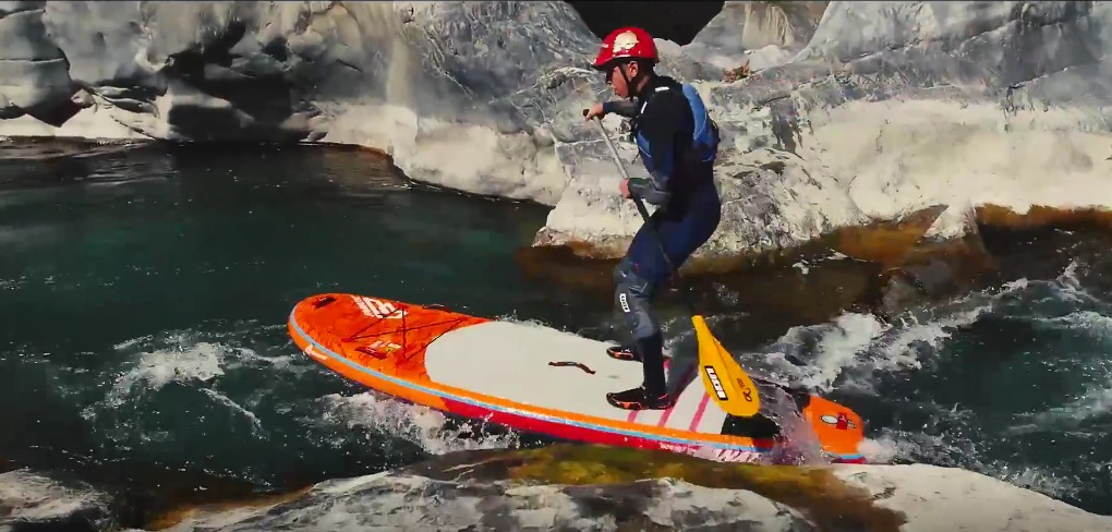 Whitewater paddling the stunning French Alps