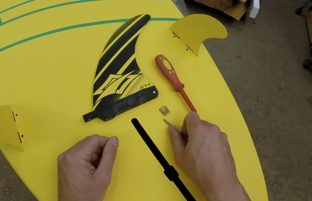 How to fit a SUP fin