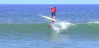 SUP foil surfing