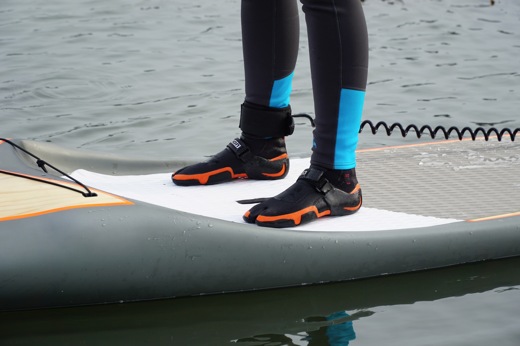 What to wear on your feet paddleboarding? - neoprene boots