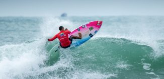 ISA Worlds SUP surf Luiz Diniz. PHOTO: ISA / Pablo Jimenez